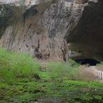 Вътре в Деветашка пещера