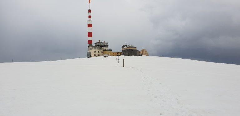 Връх Ботев в зимни условия