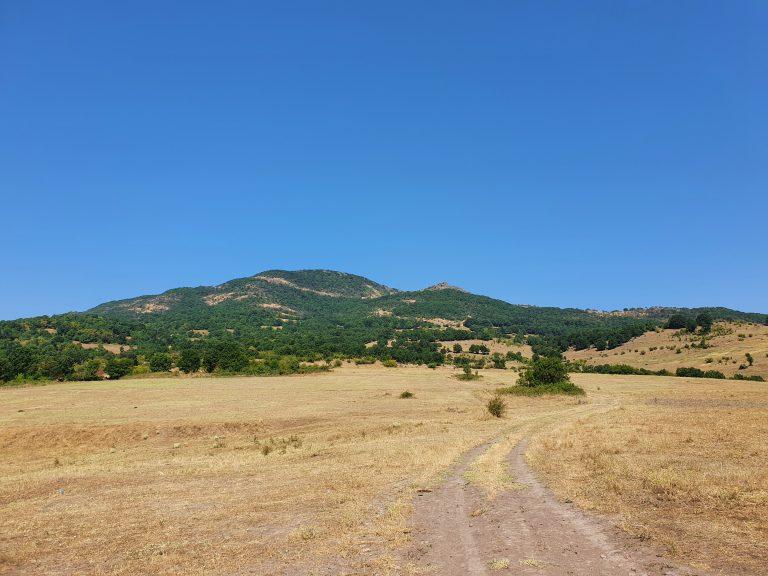 В началото на пътя към връх Драгойна