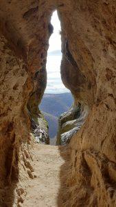 Гледка от пещера Утробата