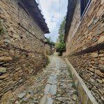 По пътя към глинената къща в село Лещен
